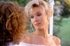 Dirty Dancing, ricordate Penny, la sexy insegnante di danza amica di Johnny? A quasi 30 anni dall'uscita del film cult ecco come la ritroviamo (a 59 anni)