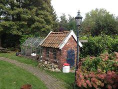 Kippenhok, zelf gemaakt :-) metselwerk in wildverband / Self-made henhouse ! More pictures on my site on Pinterest - name: Hans Noordhuis
