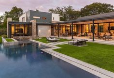 Located in Sunnybrook, California. This modern house was designed by Stocker Hoesterey Montenegro (SHM) Architects. Long House, My House, Ranch Style, Pool Houses, Architecture, Custom Homes, Luxury Homes, Outdoor Living, Indoor Outdoor