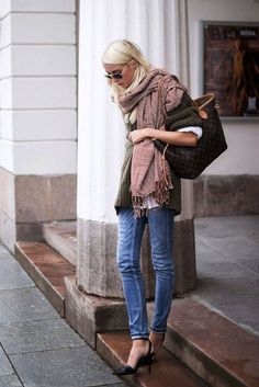 tips on layering for fall * One thing about layering, though, is that it tends to make you look bulky but that's a fairly easy issue to solve. Here are some tips on layering for fall to help you achieve a warm and chic outfit as well as a nicely balanced silhouette. *