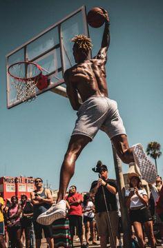 Dwight Howard training for his dunk contest. Man, this guy can really fly! Basketball Skills, Basketball Shooting, Nba Basketball, Football, Nba Video, Dwight Howard, Beach Shoot, Hindi Movies, Nba Players