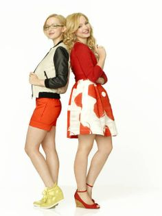 liv y maddie😙😙 Disney Vans, Disney Girls, Girl Fashion Style, Teen Fashion, Liv And Maddie Characters, Liv Rooney, Middle School Fashion, Popular People, Famous People
