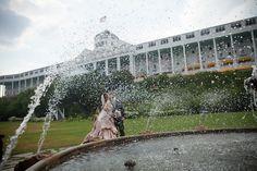 Grand Hotel Tea Garden fountain wedding photo by Paul Retherford #MackinacIsland #GrandHotel #PureMichigan #Wedding