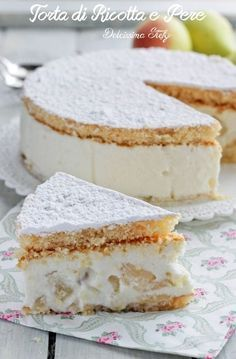 Torta di Ricotta e Pere senza cottura ♦๏~✿✿✿~☼๏♥๏花✨✿写☆☀🌸🌿🎄🎄🎄❁~⊱✿ღ~❥༺♡༻🌺TU Dec ♥⛩⚘☮️ ❋ Italian Cake, Italian Desserts, Mini Desserts, Italian Recipes, Delicious Desserts, Yummy Food, Italian Soup, Sweet Recipes, Cake Recipes