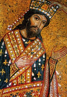 A heavily jewled scarf that would wrap around the shoulders and front of the body. Became the insignia of the emperor Religious Icons, Religious Art, Portrait Photos, Empire Romain, Byzantine Art, Byzantine Mosaics, Hagia Sophia, Orthodox Icons, Medieval Art