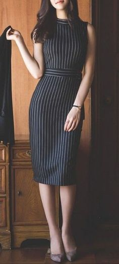 Pinned onto 2018 winter outfits Board in 2018 winter outfits Category Office Dresses For Women, Dresses For Work, Clothes For Women, Office Outfits, Stylish Outfits, Executive Outfit, Virtual Fashion, Professional Outfits, Western Dresses