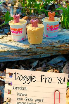 Fro Yo This sounds good for people minus the dog treat! Homemade Doggie Fro Yo - Fireflies and Mud PiesThis sounds good for people minus the dog treat! Homemade Doggie Fro Yo - Fireflies and Mud Pies Puppy Treats, Diy Dog Treats, Homemade Dog Treats, Dog Treat Recipes, Dog Food Recipes, Frozen Dog Treats, Fox Terriers, Mantecaditos, Fro Yo