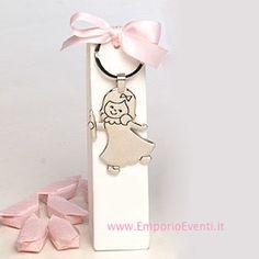 #bomboniere #bomboniera #bombonierecomunione #bombonieracomunione Place Cards, Place Card Holders, Original Gifts, Candles, Key Fobs, Souvenirs