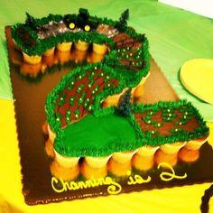 John Deere birthday party-farm scape pull apart cupcakes