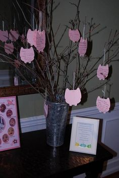 Fantastic idea for a 1st birthday: Have guests write notes for the birthday girl or boy on themed card.