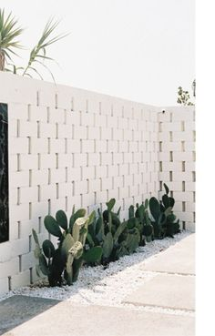 Landscaping With Rocks - How You Can Use Rocks Thoroughly Within Your Landscape Style Kerb Appeal Entrance Inspiration Fall For Diy Outdoor Spaces, Outdoor Living, Breeze Block Wall, Kerb Appeal, White Brick Walls, Stone Walls, Landscape Design, Desert Landscape, Outdoor Gardens