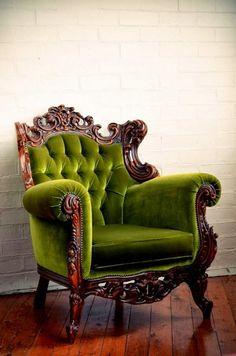 @Johanna Hörrmann Feehan I would love to find a chair like this! Make Raymond get us new furniture. Haha ;)