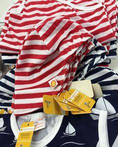 Tällä viikolla on ahkeroitu merihenkisiä vaatteita asiakkaan valitsemasta kankaasta. Nämä raikkaat ihanuudet ja paljon muuta löydät Kauppakeskus Myllyn #pikkuemilia liikkeestä. Ihanaa viikonloppua kaikille! ⛵    This week we have done these  tailormade clothes for #pikkuemilia. You can find these lovely stripe pants and shirts from shoppingcenter Mylly. Have a lovely weekend!  #myllymuksut  #juupajoki  #pikkuemilia #stripes #weekend #madeinfinland #avainlippu #suomessatehty
