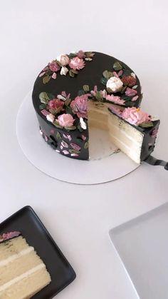 Cake Decorating Frosting, Cake Decorating Designs, Creative Cake Decorating, Cake Decorating Videos, Cake Decorating Techniques, Creative Cakes, Creative Birthday Cakes, Elegant Birthday Cakes, Pretty Birthday Cakes
