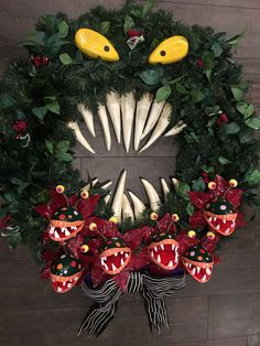 Monster Wreath from Nightmare Before Xmas made by my husband Nightmare Before Christmas Decorations, Nightmare Before Christmas Halloween, Halloween Christmas, Diy Halloween Decorations, Christmas Themes, Halloween Crafts, Christmas Crafts, Casa Halloween, Halloween Birthday