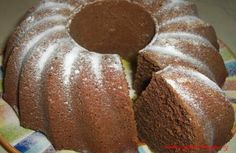 Varena kakaova babovka_recipe_main (2) Czech Recipes, Ethnic Recipes, Snack Recipes, Snacks, Thing 1, Pound Cake, Bread, Meals, Brot