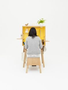 Koloro desk and stool by Torafu 3