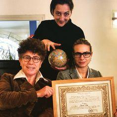 Splendida cornice attorno al mio diploma da giornalista professionista con @elenarabbia ed @elenabravetta