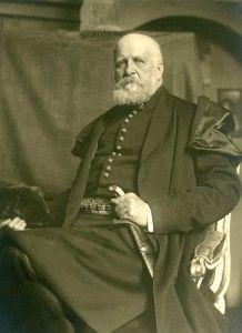 Karol Lanckoroński w kontuszu, fotografia, zapewne wzór do obrazu Kazimierza Pochwalskiego, ok. 1919