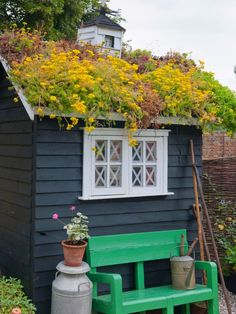 Roof Garden And Roof Garden Shed Idea Features Dark Wooden Garden Shed With Green Roof And Chic Green Wooden Bench With Armrest And Backrest. Amazing Roof Gardens And Farm Roof Gardens Ideas Shed Design, Garden Design, Roof Plants, Living Roofs, Living Walls, Backyard Privacy, Shed Roof, Rooftop Garden, Building A Shed