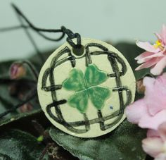 Free Giveaway: Aromatherapy Essential Oil Diffuser Pendant Celtic design   Enter Here: http://www.giveawaytab.com/mob.php?pageid=140569339341613