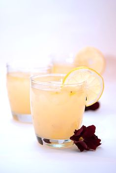 New & Unexpected Pairing For a Refreshing Summer Drink: Saffron Lemonade