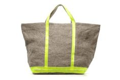 linen bag by Vanessa Bruno. Perfect for this summer! Cabas Vanessa Bruno, Linen Bag, Diy Projects, Neon, Style Inspiration, Tote Bag, Bags, Couture, Html