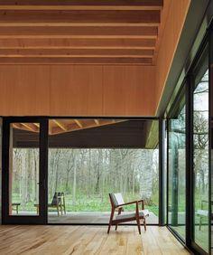 Michigan Lake House, Haus Am See, Light Hardwood Floors, Large Windows, Living Room Modern, Architecture, Interior, Outdoor Decor, Designs