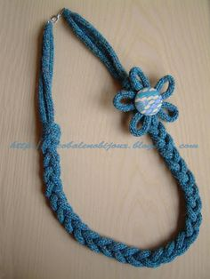 arcobaleno bijoux: Tricotin e Flower Loom Knitted Necklace, Fabric Necklace, Crochet Bracelet, Textile Jewelry, Fabric Jewelry, Jewellery, Crochet Designs, Knitting Designs, Denim Earrings