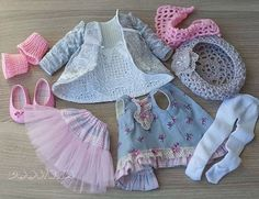 45 отметок «Нравится», 5 комментариев — Natali Kostyuchenko (@boosinka_pr) в Instagram: «#paolareina#dolldresses#clothes#handmade#outfit#платьице#ручнаяработа#одеждадлякукол#обувьдлякукол#комплект»