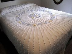 Vintage FANCY CABIN CRAFTS Chenille BEDSPREAD Popcorn FLORAL Fringed QUEEN/Full