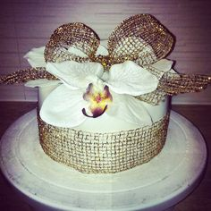 Orchidee cake with ganache cream Cakes, Cream, Desserts, Food, Creme Caramel, Tailgate Desserts, Deserts, Cake Makers, Kuchen