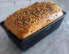 Pan brioche salato con granella di noci e semi di papavero