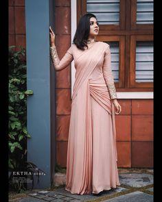 Indian Fashion Dresses, Indian Designer Outfits, Designer Dresses, Saree Wearing Styles, Saree Styles, Dress Styles, Simple Gowns, Simple Sarees, Fancy Dress Design
