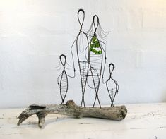 Family Wire Sculpture by Idestudiet. © 2012 All rights to this design reserved by Idestudiet.