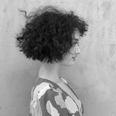 The 'deliberate triangle' side on Loose Curly Hair, Curly Hair Cuts, Short Hair Cuts, Curly Bob, Curly Hair Styles, Loose Curls Hairstyles, Shag Hairstyles, Girl Hairstyles, Triangle Haircut