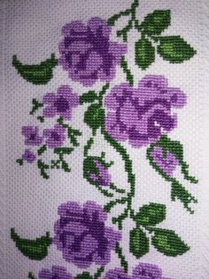 This Pin was discovered by Agr Just Cross Stitch, Cross Stitch Heart, Cross Stitch Borders, Cross Stitch Flowers, Cross Stitch Designs, Cross Stitch Patterns, Embroidery Art, Cross Stitch Embroidery, Embroidery Patterns