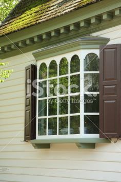 bay windows | bay window white trim | Carron\'s House Exterior ...