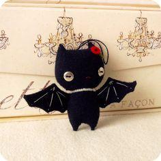 ❥ Halloween Bat Ornament~ I love Ice Bats :)