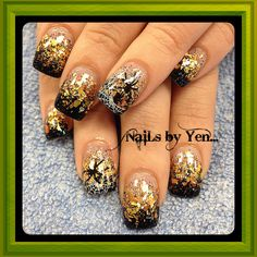 Halloween nails spiderweb gold flakes