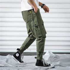 Converse Outfits, Sneaker Outfits, Swag Outfits Men, Converse Sneakers, Jean Outfits, Tactical Cargo Pants, Stylish Eve Outfits, Puma Sneaker, Joggers Outfit