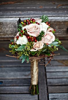 There's something about winter wedding bouquets that make us swoon...