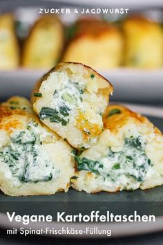 Vegan potato pockets with spinach and cream cheese filling - sugar & hunting sausage- Vegane Kartoffeltaschen mit Spinat-Frischkäse-Füllung – Zucker&Jagdwurst Vegan, filled potato pockets with … - Vegan Vegetarian, Vegetarian Recipes, Cooking Recipes, Vegan Food, Tortillas Veganas, Potato Cakes, Cream Cheese Filling, Tzatziki, Vegan Cheese