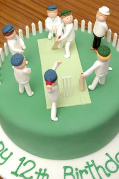 Cricket pitch cake - the cupcake gallery Cricket Birthday Cake, Cricket Theme Cake, Bithday Cake, Gorgeous Cakes, Amazing Cakes, Sport Cakes, Cake Craft, Themed Cupcakes, Novelty Cakes