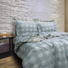 ESSENTIAL-BEDROOM COLLECTION .. S-18