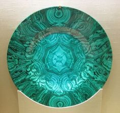 Malachite dish (Russia, 19 c) Beautiful Rocks, Beautiful Places, Rock Jewelry, Rocks And Gems, Porcelain Ceramics, Rocks And Minerals, Fossils, Stones And Crystals, Art Object