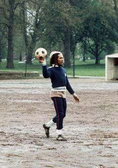 Love to see Bob Marley playing the beautiful game.