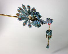 Kingfisher feathers hairpick, phoenix motif.