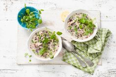 Kiplekker deze oosterse soep met kokosmelk, geber, groene curry en kip - Recept - Allerhande