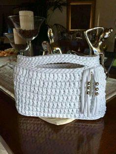 Mi baúl de Inspiraciones : Carteras tejidas en trapillo a crochet                                                                                                                                                      Más